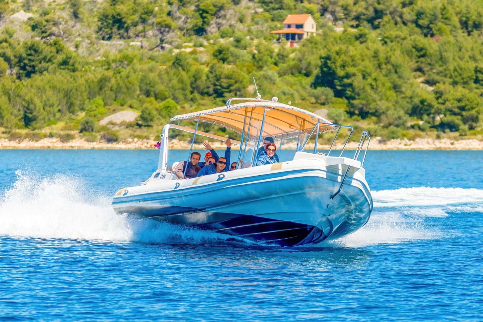 Rib boat for 12 passnegers