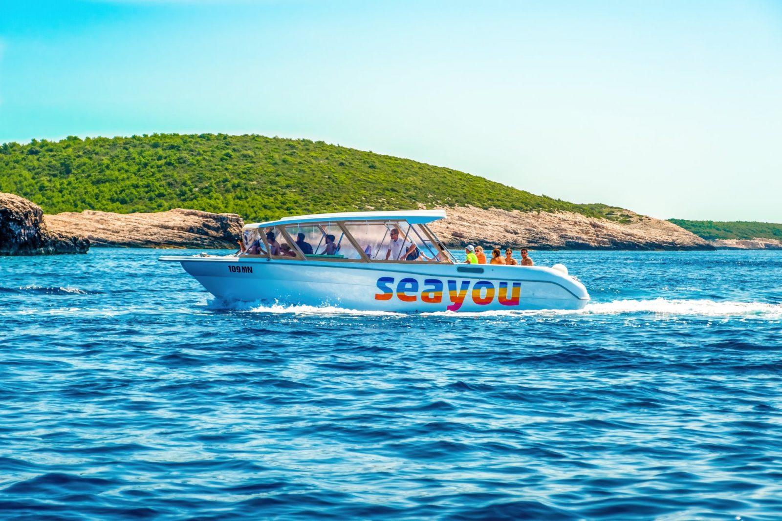Boat tour to Hvar island