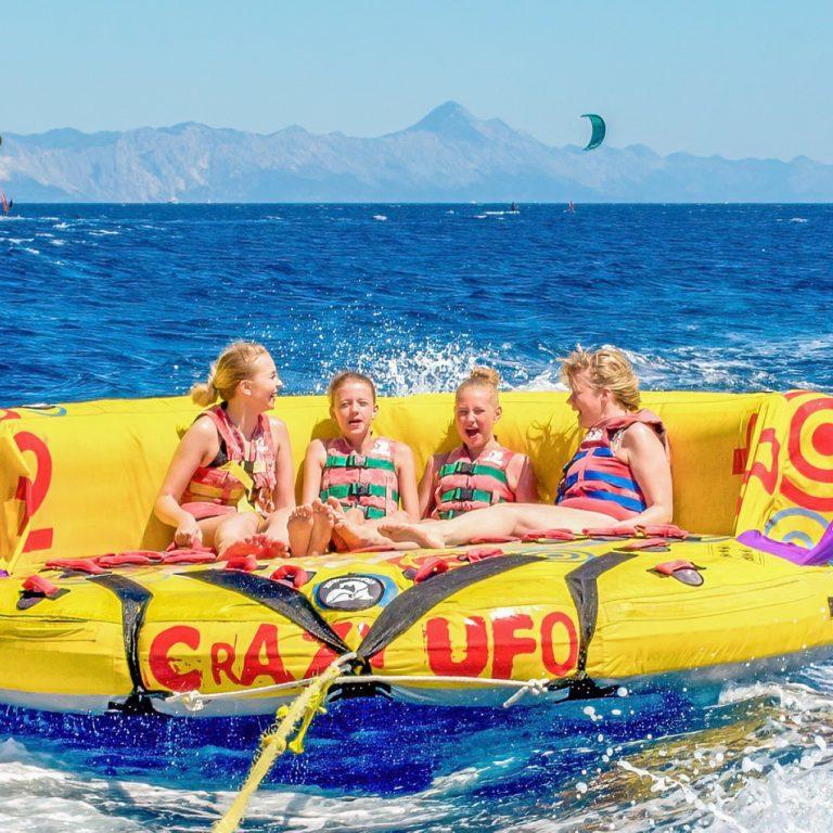 Watersports activities at Bol beach